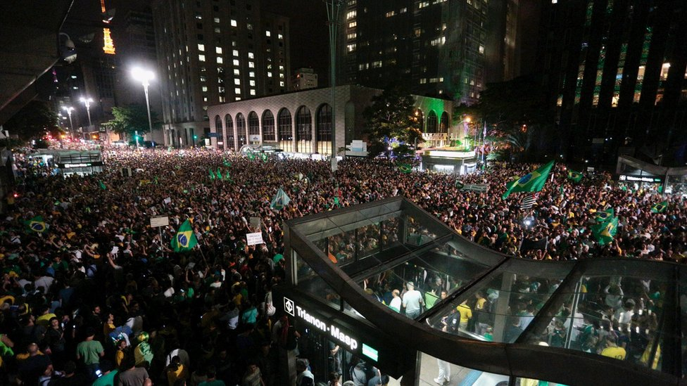 Demonstrators protest against Lula's appointment in Sao Paulo