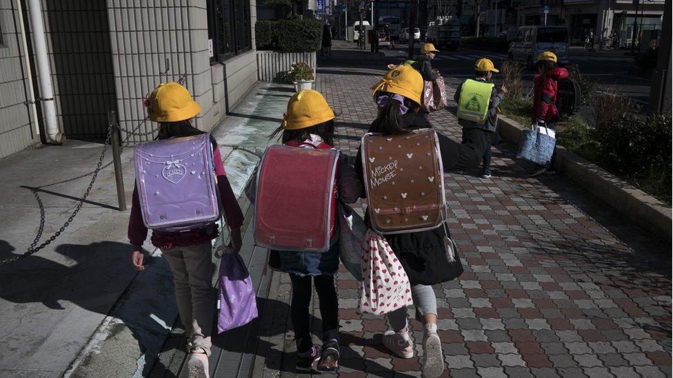 تلاميذ في اليابان
