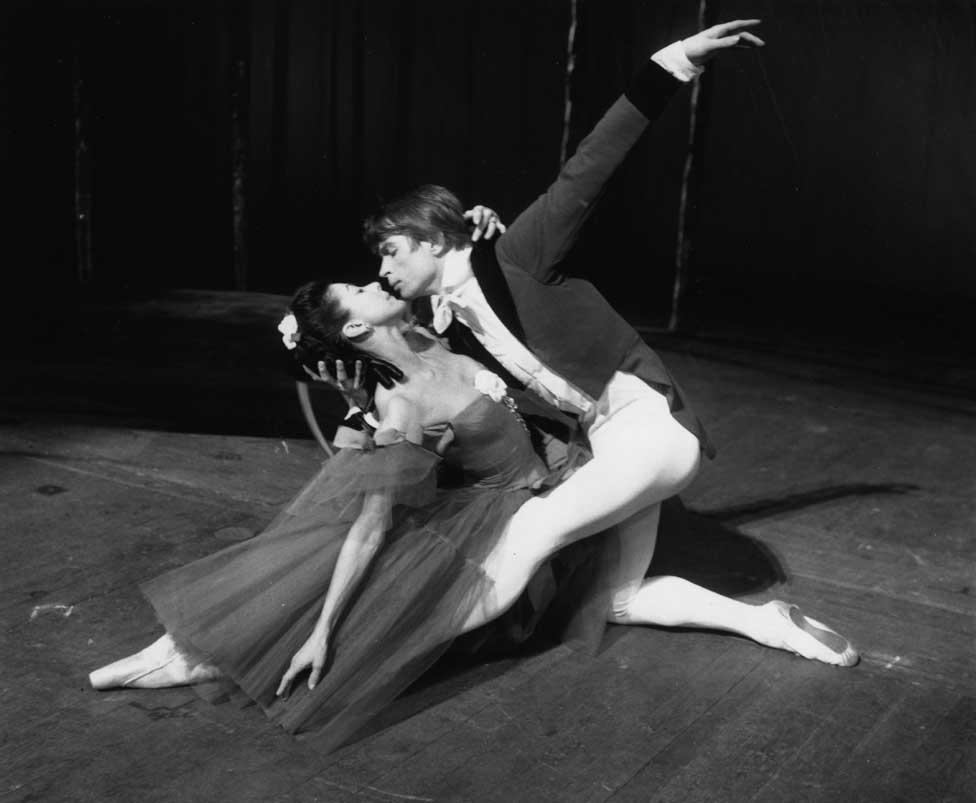 Nurejev nastupa sa Margo Fontejn