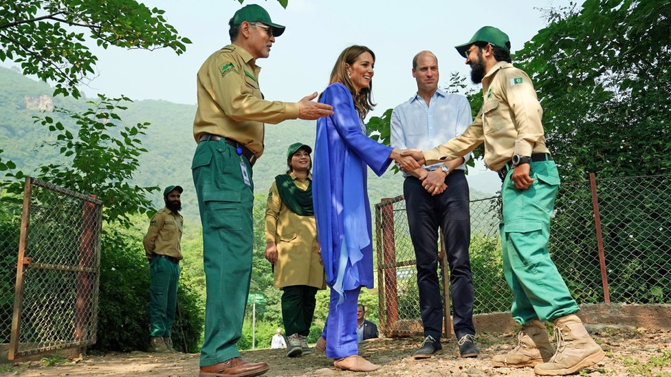 The royal couple visiting the Margalla Hills National Park, in the foothills of the Himalayas