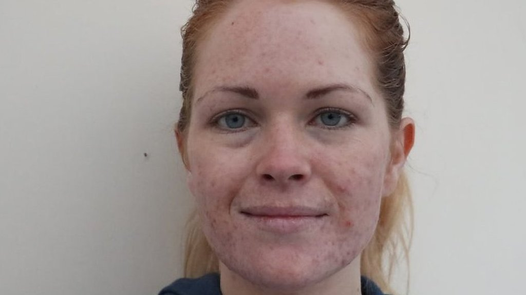 'I wish I had the confidence to go out without make-up'