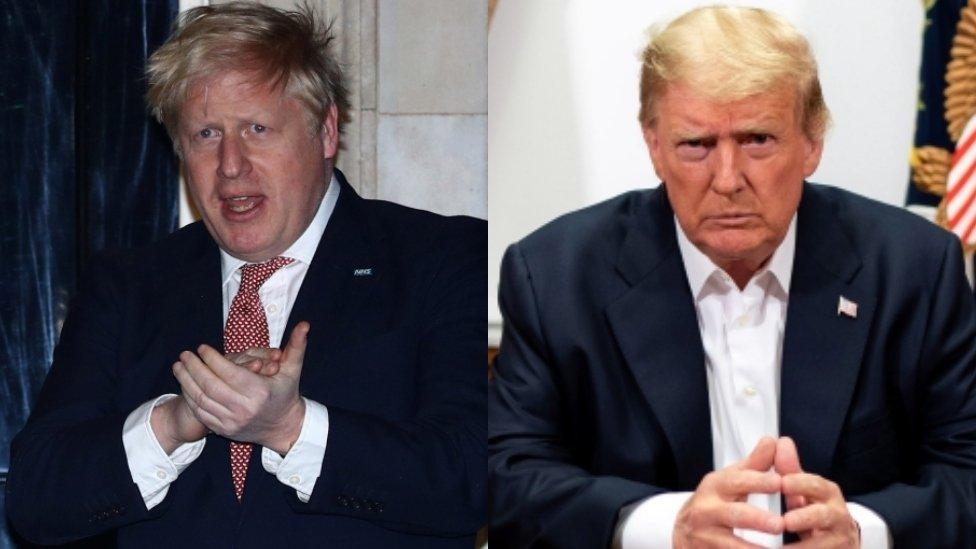 Montagem com fotos de Donald Trump e Boris Johnson lado a lado