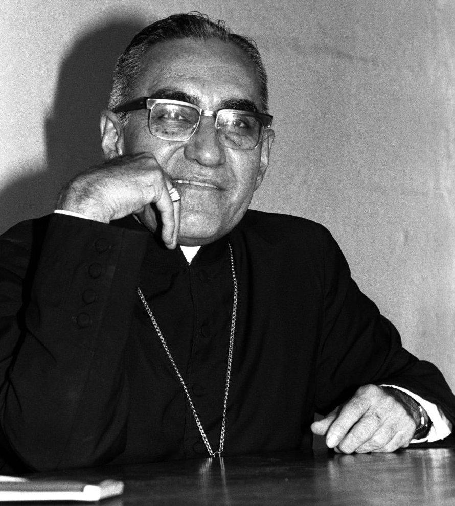 El papa inicia la canonización de Romero y Pablo VI
