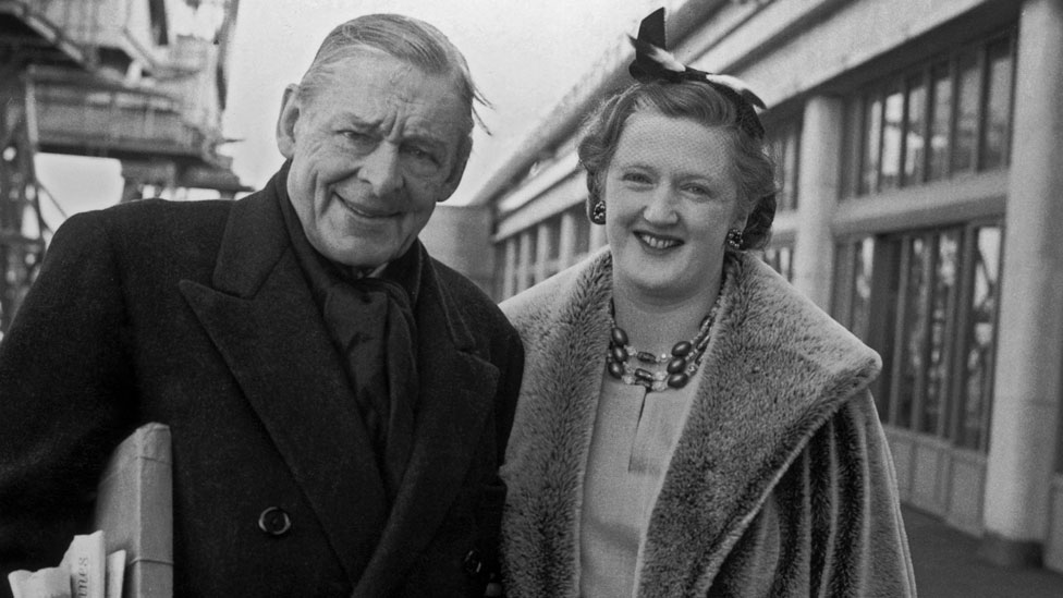 TS Eliot with second wife Valerie in 1961