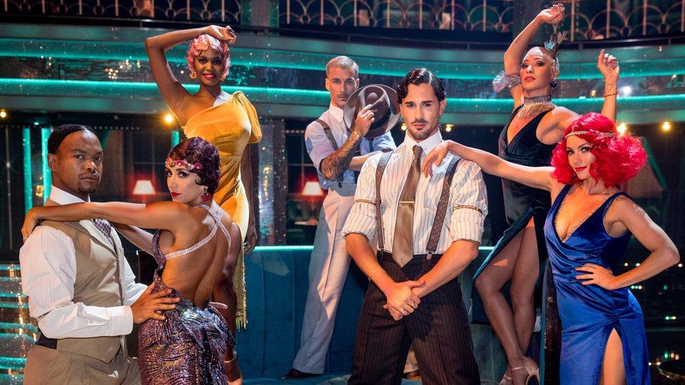 Einige von Strictlys professionellen Tänzern