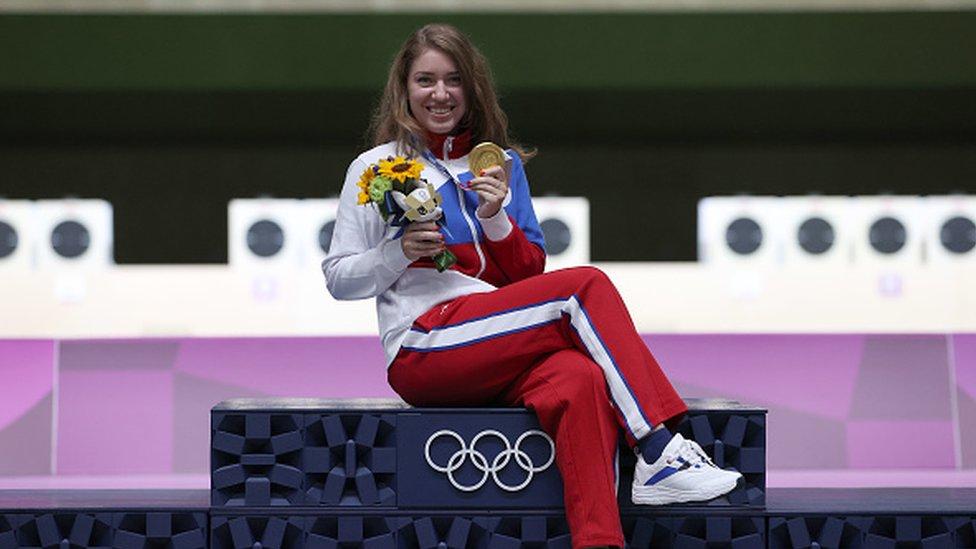 Олимпийский дневник: золото у россиянки в пулевой стрельбе, феерия в бассейне и Джокович мимо медалей