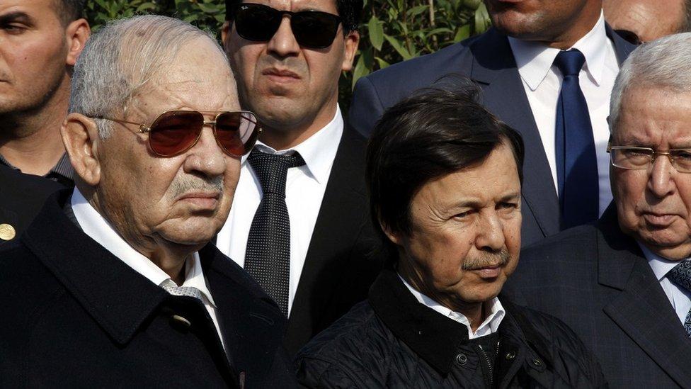 NO USAR / BBC La élite gobernante de Argelia: el jefe del estado militar, Ahmed Salah, con Said Bouteflika, el hermano menor del presidente, en Argel, en 2017