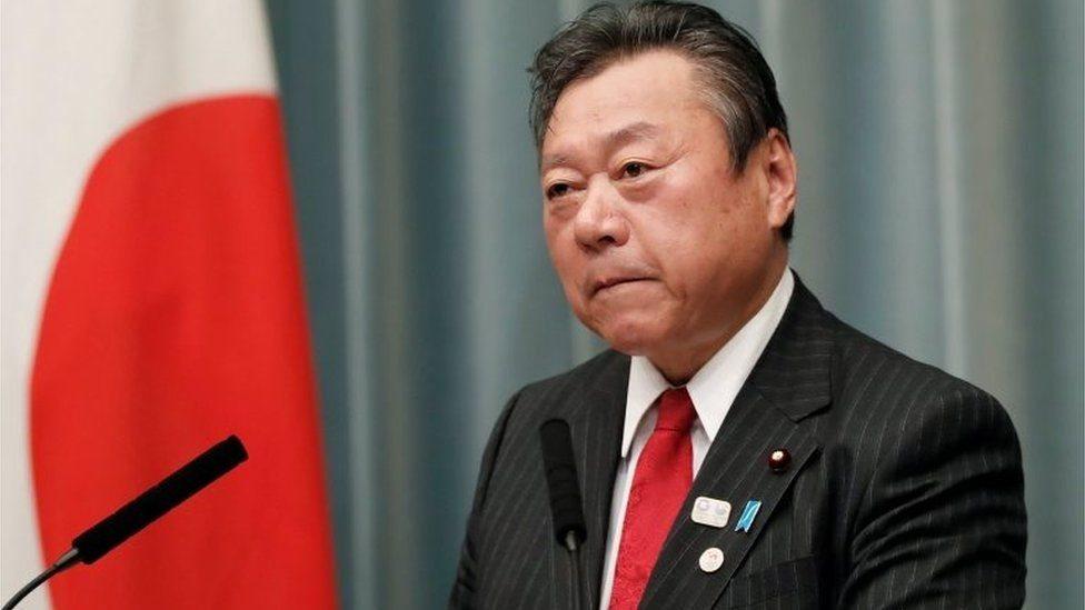 اضطر ساكورادا، الذي عين في منصبه العام الماضي، إلى الاعتذار على سلسلة من الزلات وقع فيها