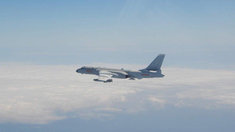 قاذفة نفاثة صينية شوهدت بعد توغل 52 طائرة في منطقة تحديد الدفاع الجوي التايوانية، وفقا لوزارة الدفاع التايوانية