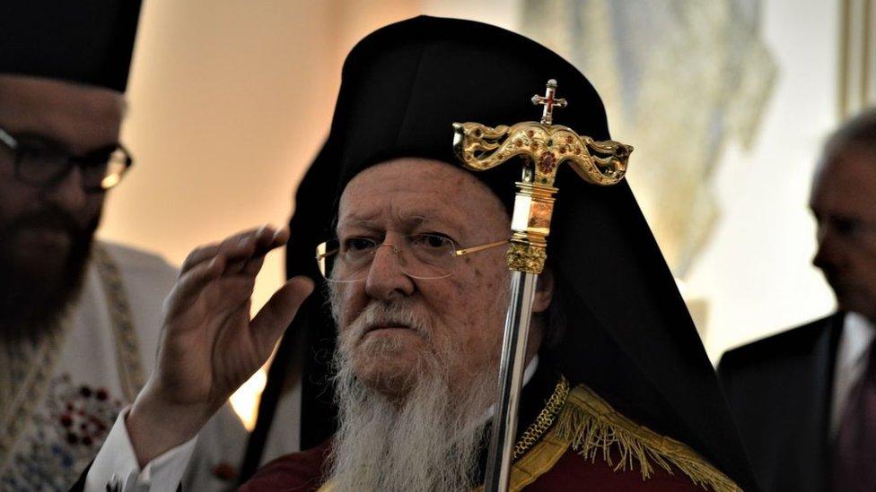 Без томосу і дати: Константинополь схвалив проект статуту української церкви