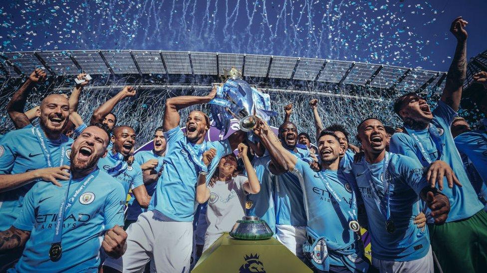 Manchester City celebra el título de la Liga Premier