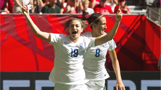 Jodie Taylor capitalises to give England lead