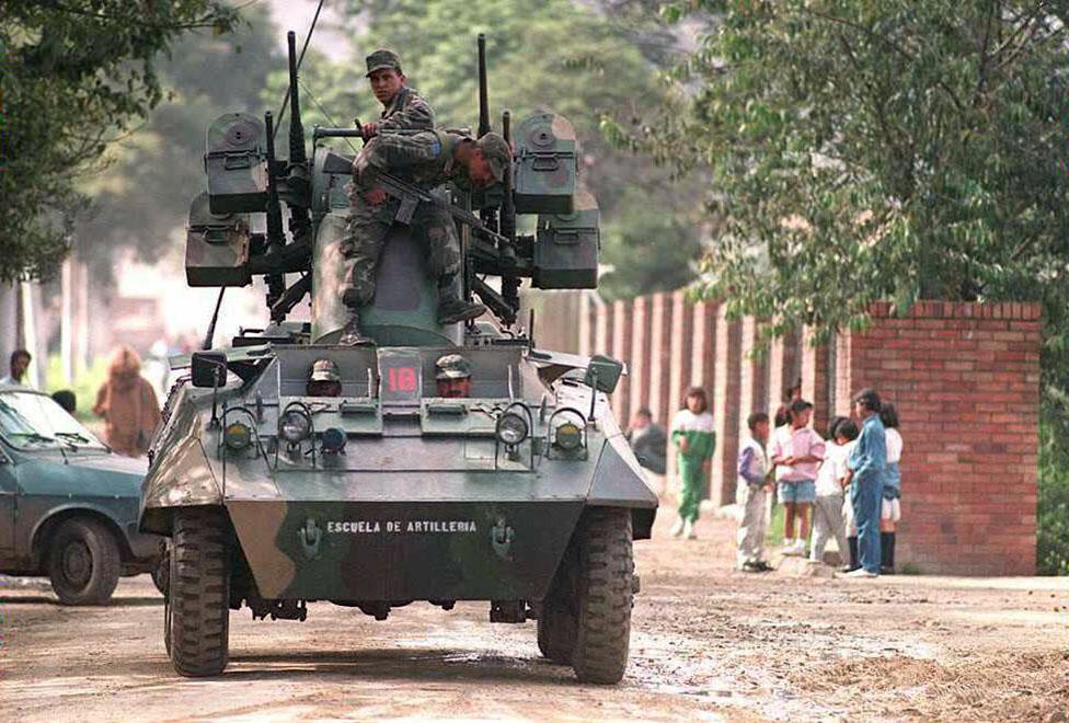 Kolumbijski vojnici patroliraju oko zatvora u kom se nalazio Gilberto Rodriges, narko-bos iz Kalija