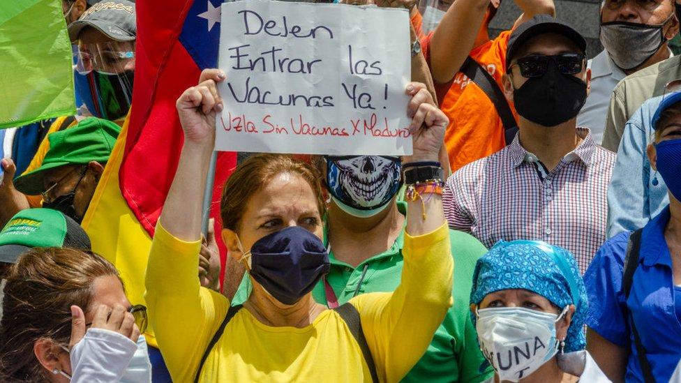 Protesta por la falta de vacunas en Venezuela.