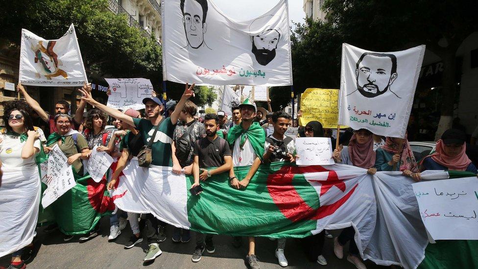 تظاهرات في الجزائر للمطالبة بالإفراج عن المعتقلين السياسيين