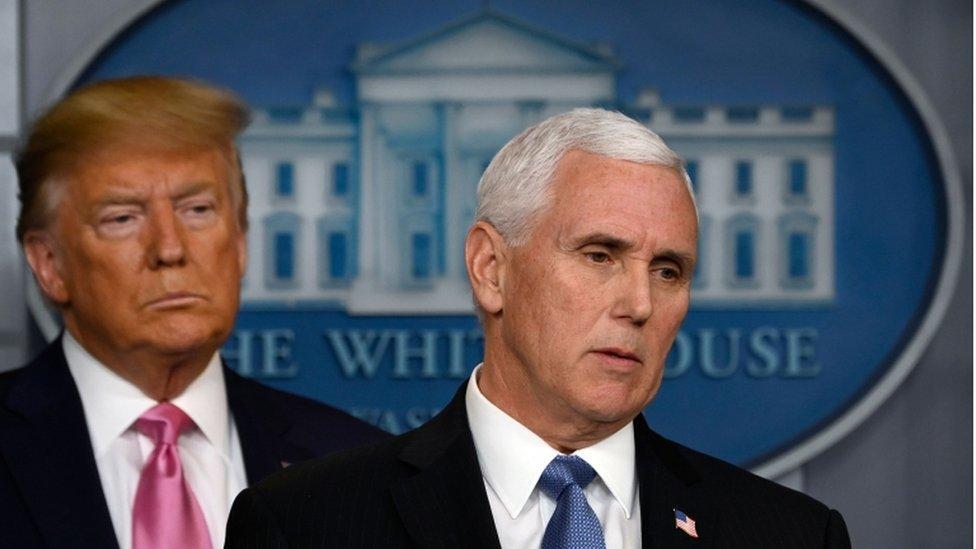 الرئيس دونالد ترامب ونائب الرئيس مايك بنس في البيت الأبيض، 26 فبراير/شباط 2020