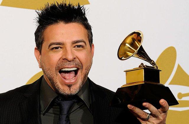 Luis Enrique con su premio Grammy