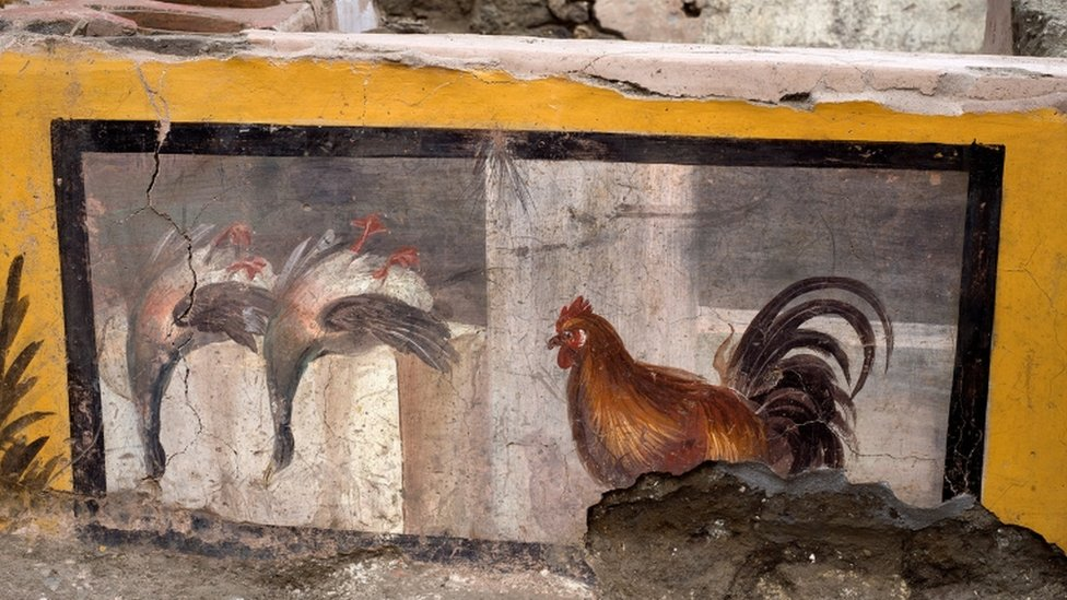 A fresco depicting two ducks and a rooster