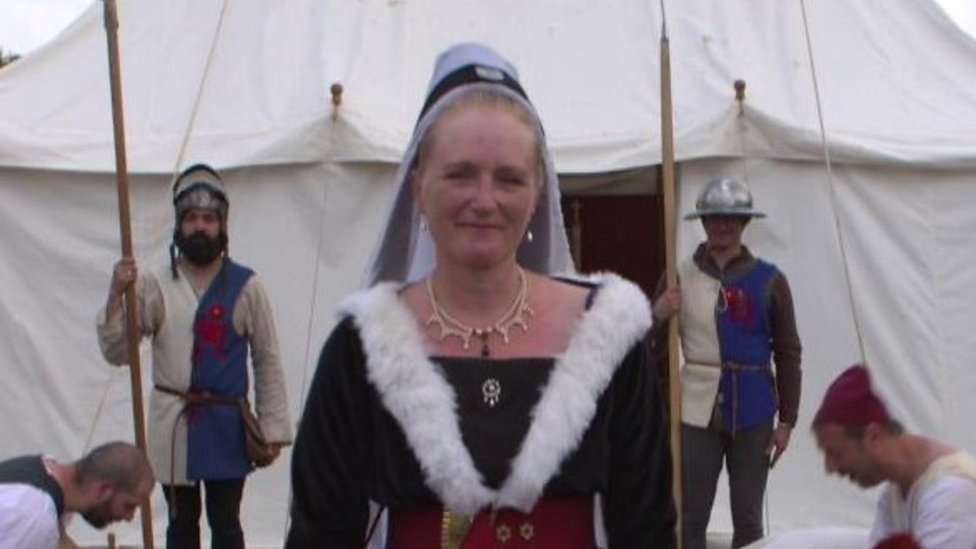 'Bonkers' medieval queen role for Swindon mother