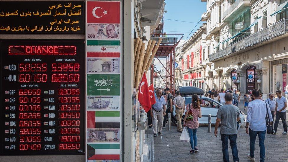 Sankcije Turskoj: Nove mere ako se ne oslobodi američki pastor