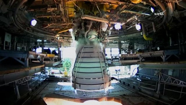 Nasa's RS-25 engine being tested.