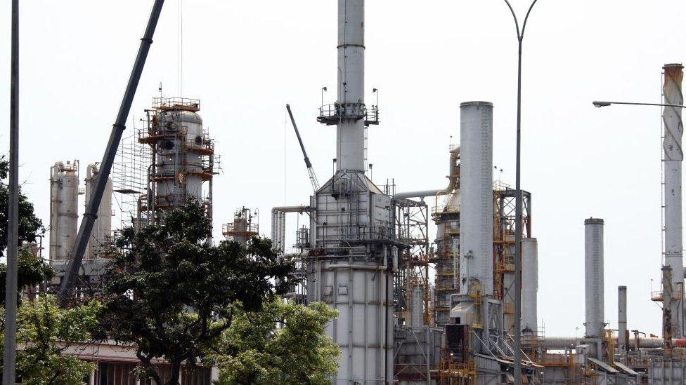 Fábrica de petróleo venezolana.