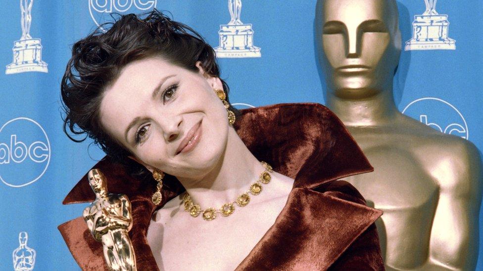 Juliette Binoche se lleva el Oscar a la mejor secundaria en 1997