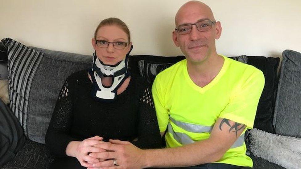 Rachel Pighills y su esposo