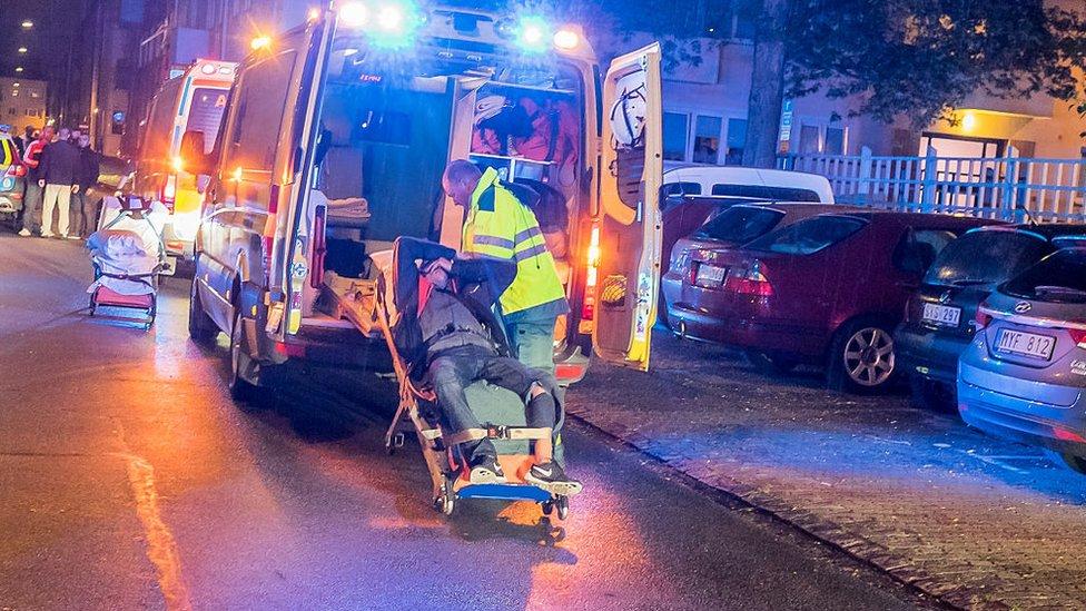 Personas que resultaron heridas en un tiroteo en Rasmusgatan en Malmoe, el 13 de junio de 2015.