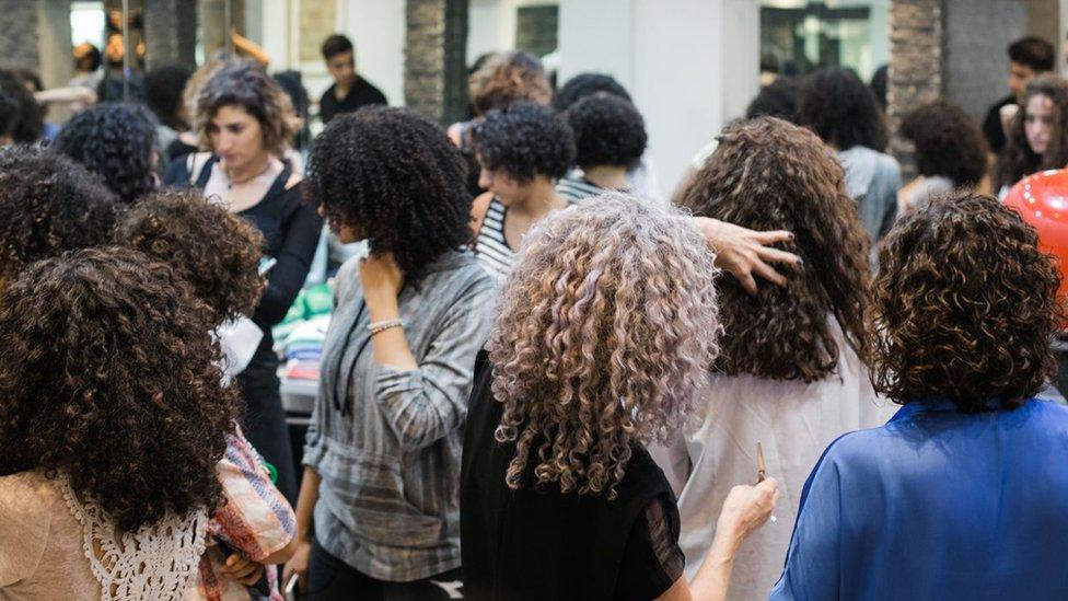 埃及近日出現了針對捲髮的培訓工作坊。
