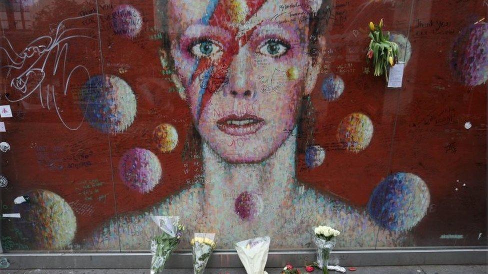 倫敦街頭的大衛·鮑伊畫