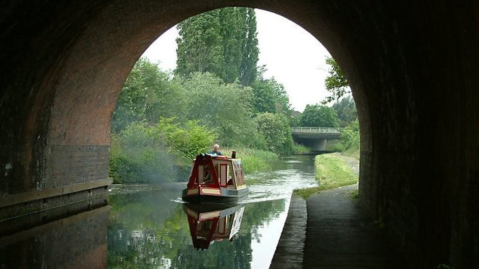 Droitwich Spa Barge Canal