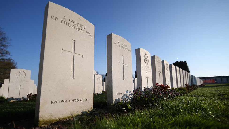 Graves at Tyne Cot Commonwealth War Graves Commission cemetery