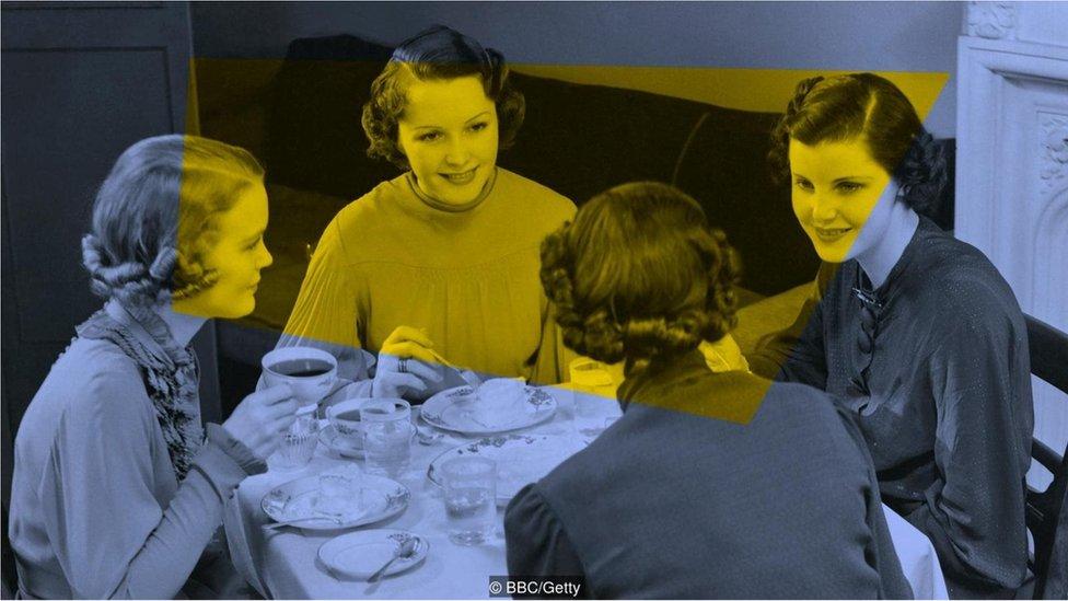 masada sohbet eden kadınlar