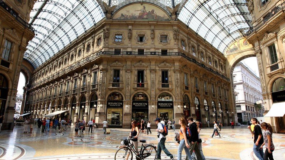 Vittorio Emmanuele gallery in Milan