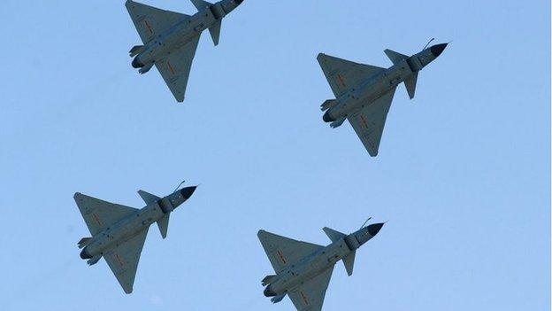 英國智庫報告認為成都飛機工業集團的殲-10戰鬥機家族明顯更有效,更靈活,優於俄羅斯老資格的米格29和米格35系列