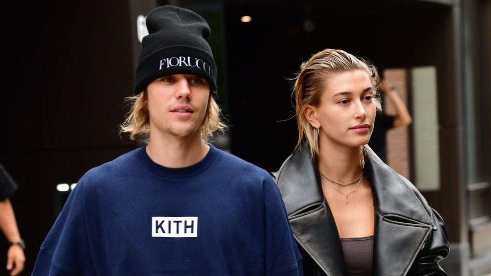 Representante de Justin Bieber compra antigua discográfica de Taylor Swift