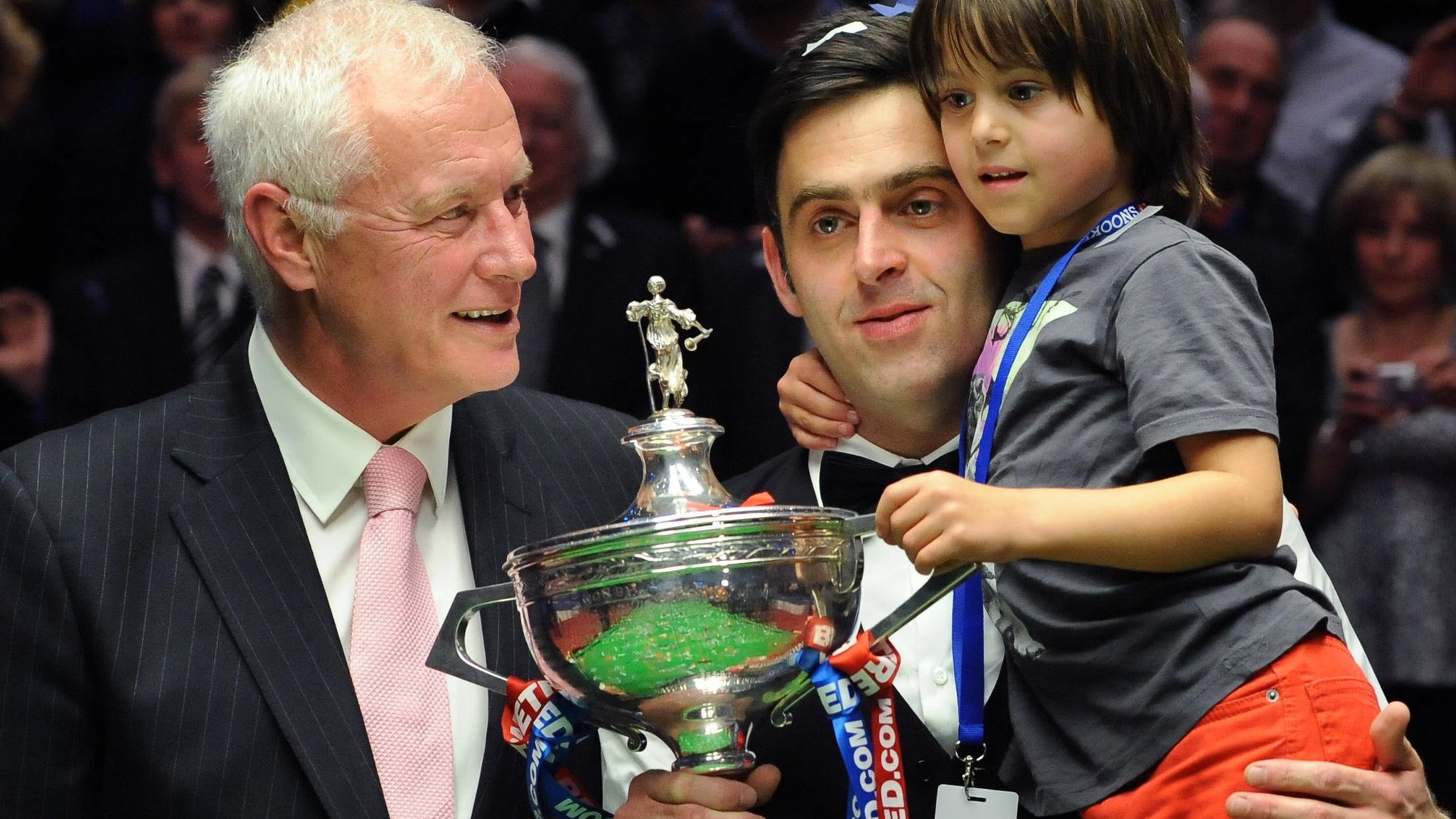 Ronnie O'Sullivan: Barry Hearn rejects five-time world champion's 'dictator' claim