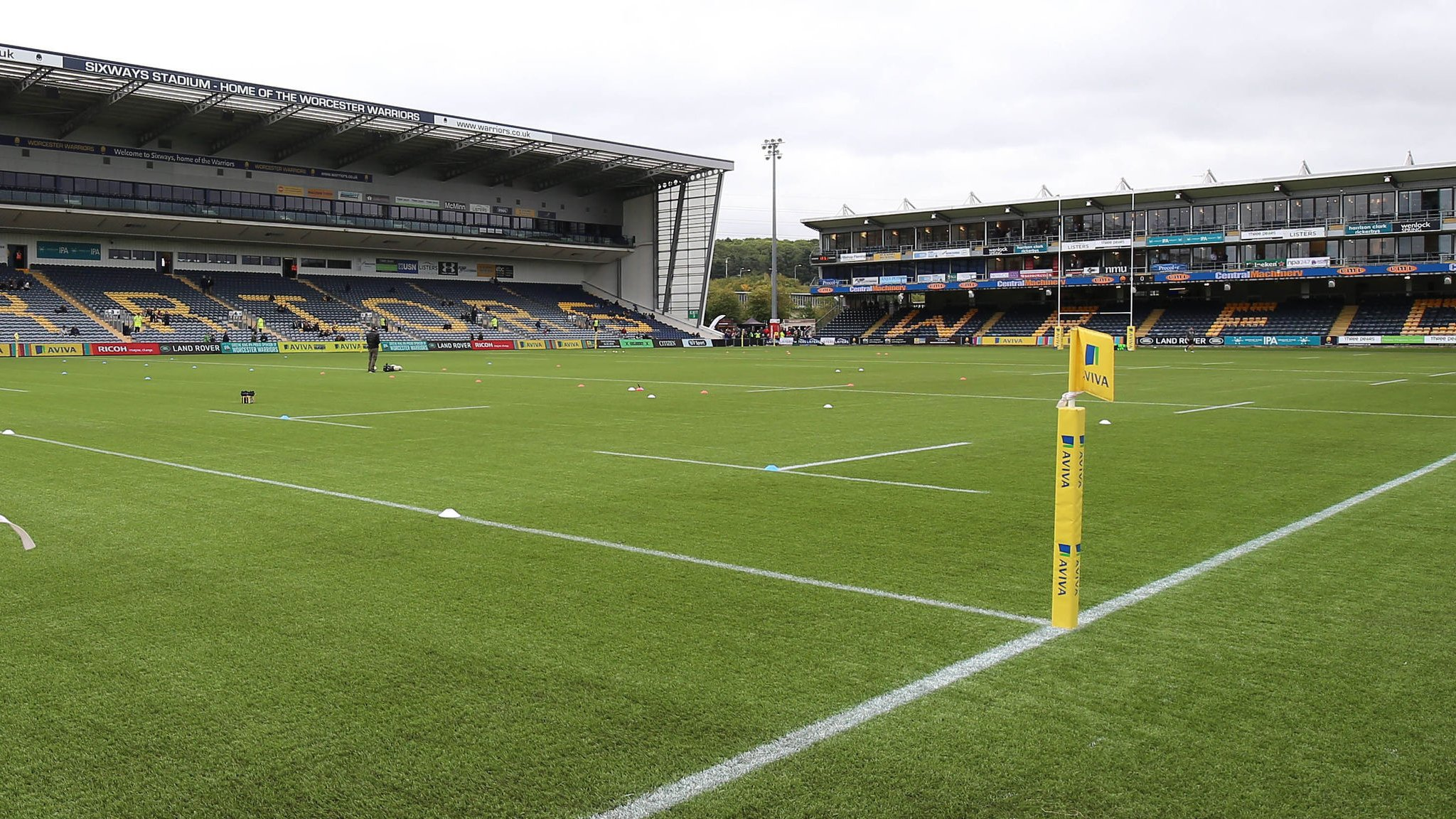 Jed McCrory: Worcester Warriors director leaves Premiership club