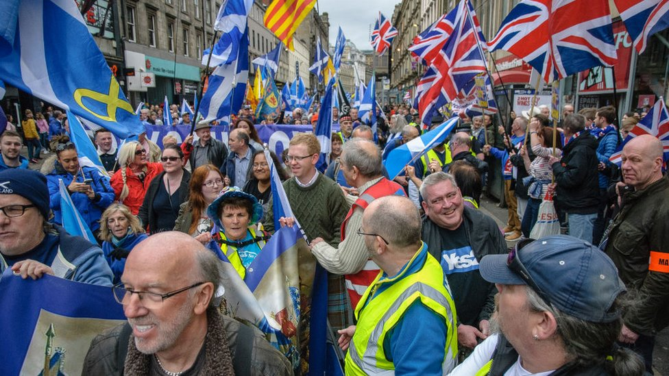 Pro-independence marchers