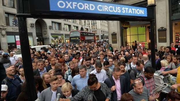 Queues to enter Oxford Circus