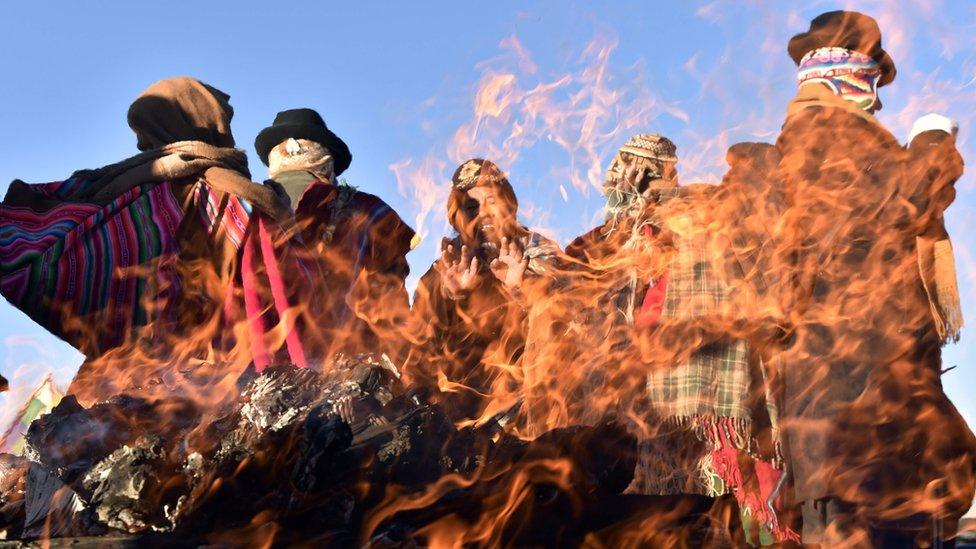 Ceremonia por el solsticio de invierno en Tiahuanaco.