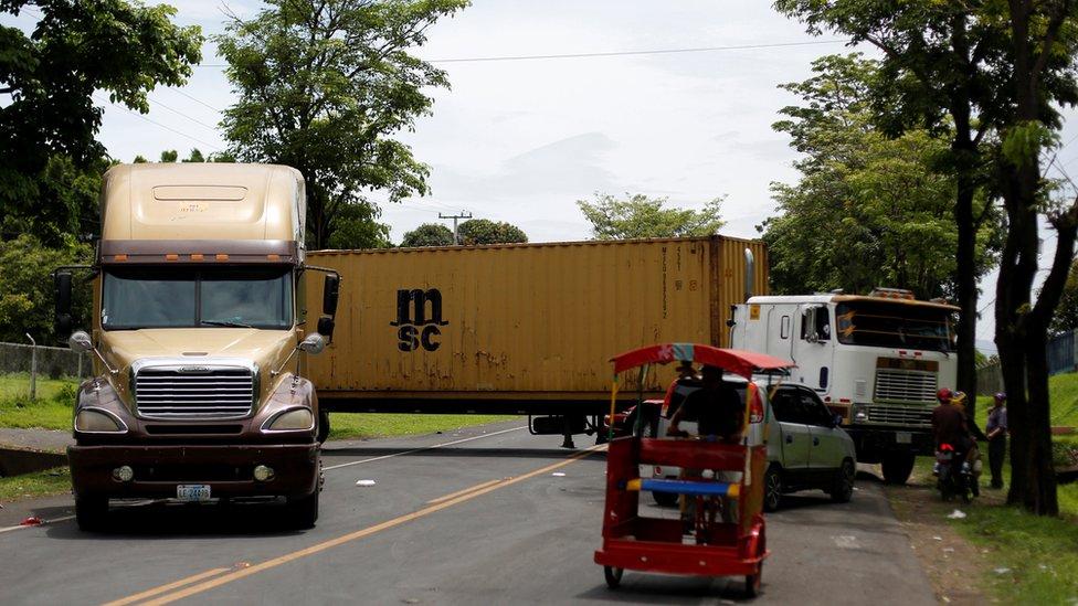 Camiones varados en Nicaragua