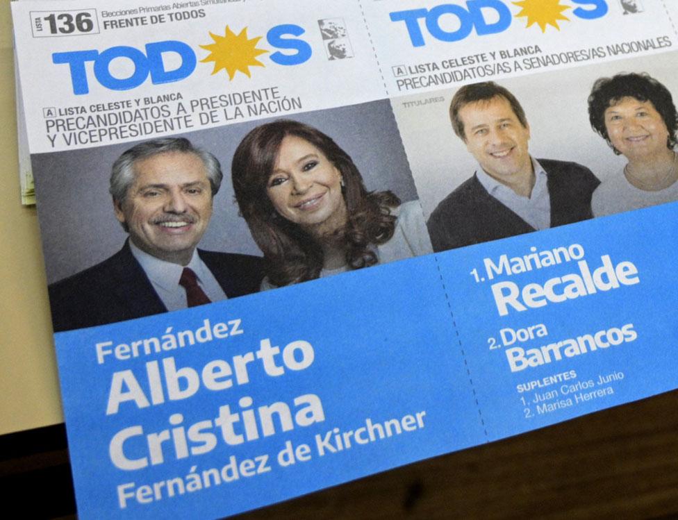 Boleta electoral del Frente de Todos con la imagen de Alberto Fernández y Cristina Fernández de Kirchner