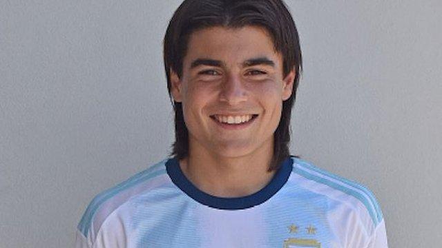 Luka Romero juega en las categorías junior de la selección Arentina de fútbol.