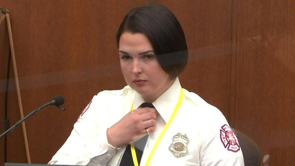 Genevieve Hansen declarando en el juicio del caso de George Floyd