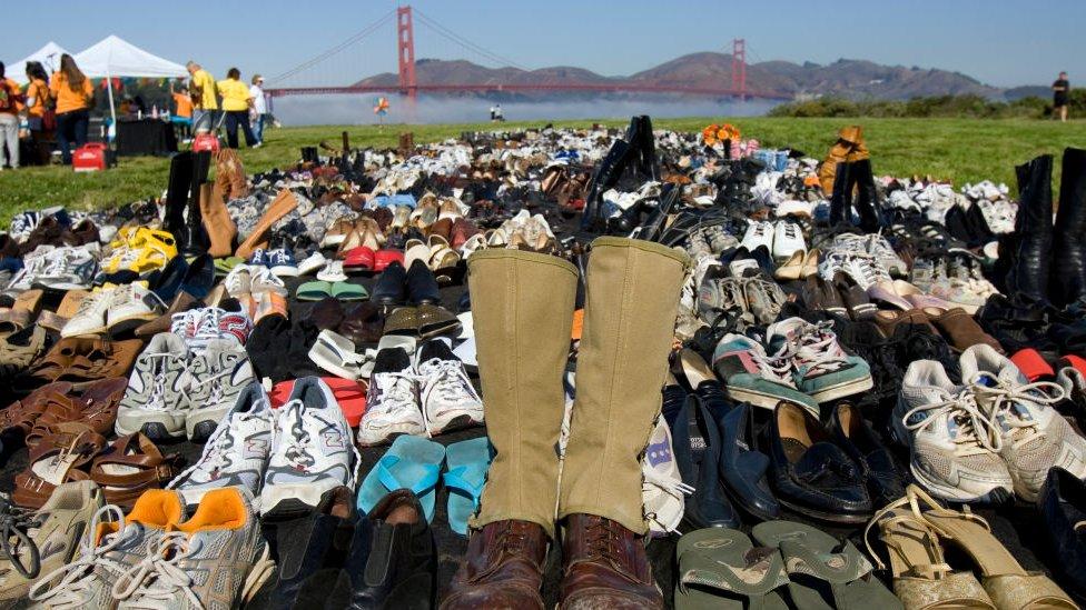 Zapatos frente al Golden Gate