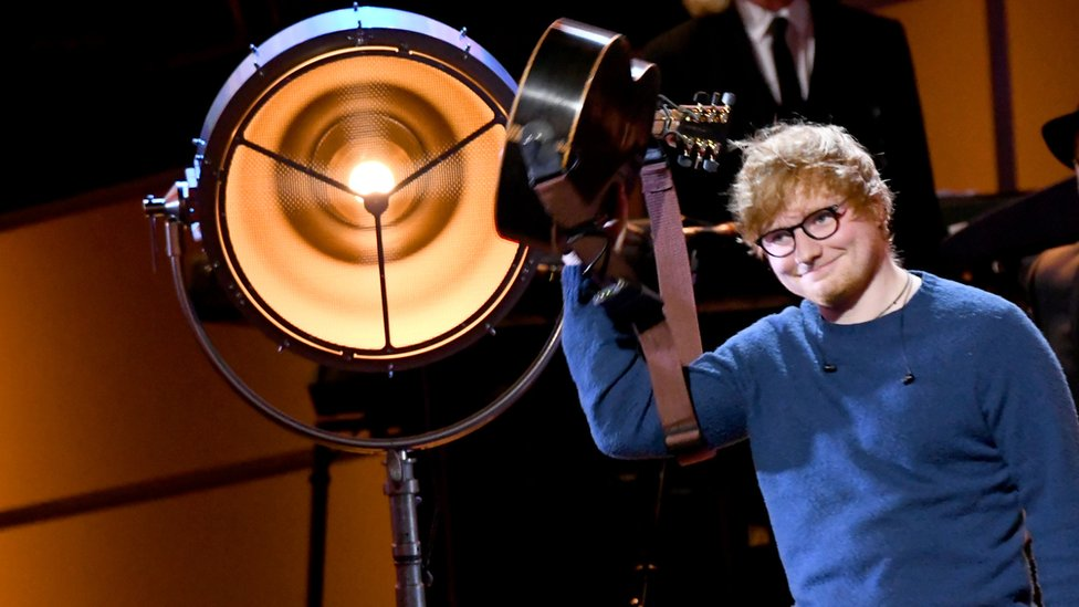 BBC News - Ed Sheeran chapel plans come up against newts