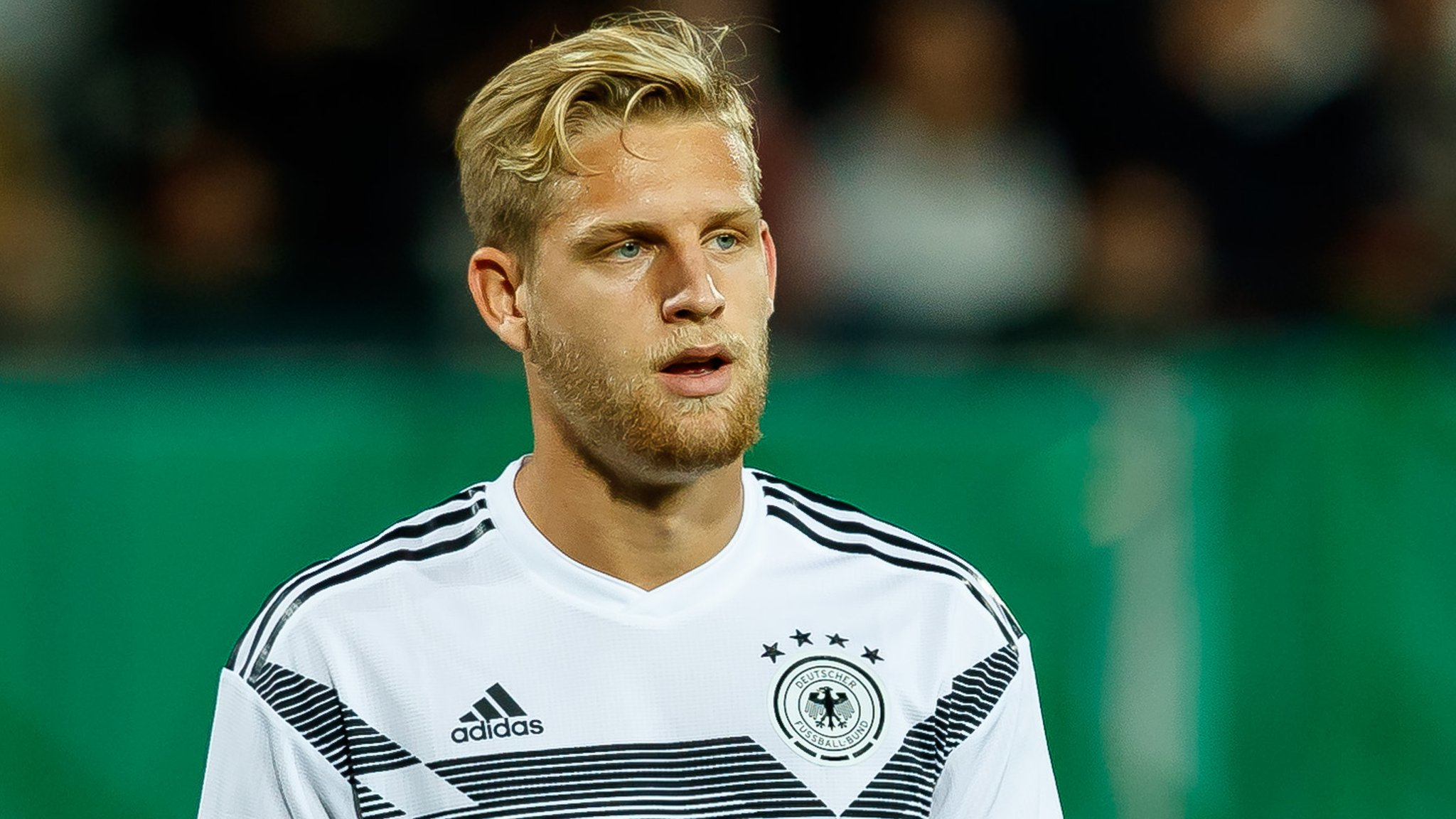 Man Utd & Arsenal compete to sign Germany youngster - gossip