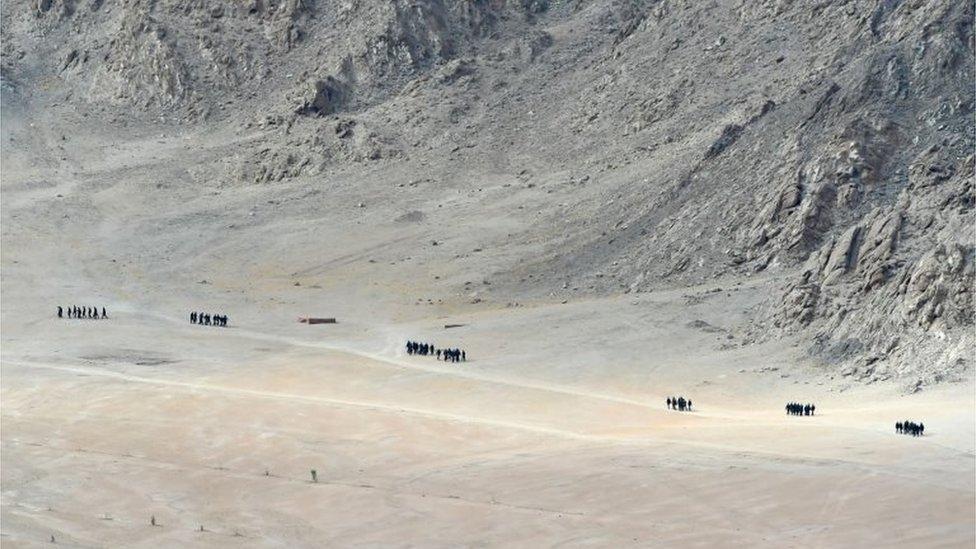 2020年6月25日,拉達克小鎮列城附近山腳下,印度士兵在巡邏